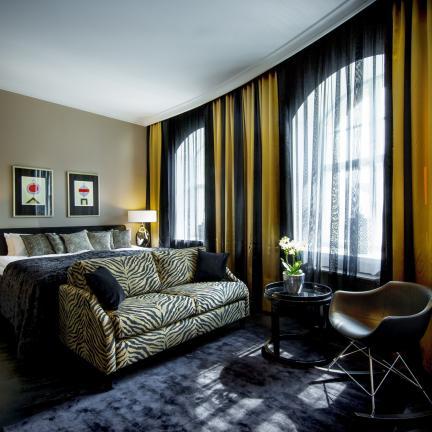 Tilava ja ylellinen hotellihuone Helsingissä